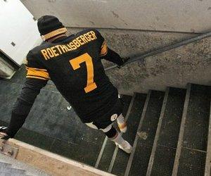 Ben Roetlisberger injured in Cleveland game
